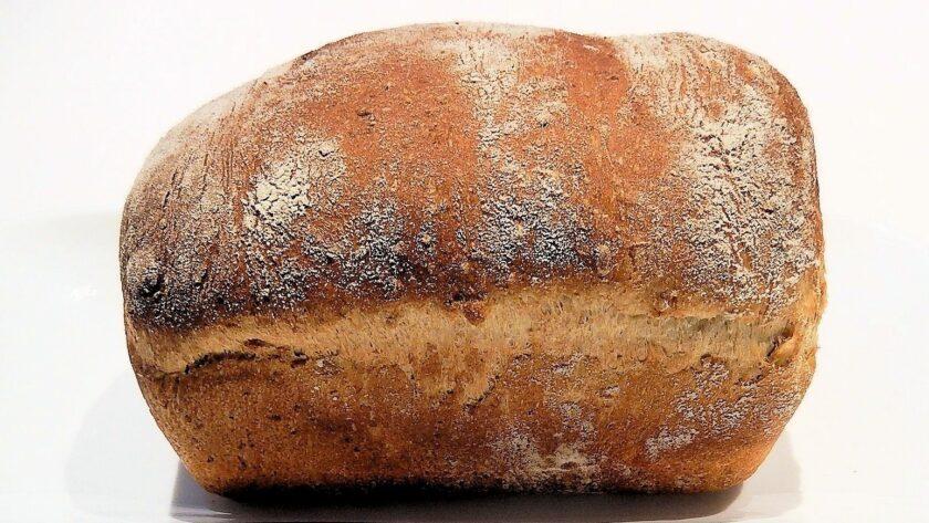 Koruzni kruh z drožmi